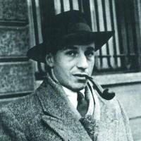 Baron Paul Halter, résistant, partisan armé, arrêté en 1943 après une opération de sauvetage d'enfants à Anderlecht. Déporté à Auschwitz