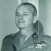 Baron Jean Bloch, membre de la première heure des Forces armées belges en Angleterre, il prit une part active à la libération de la Belgique.