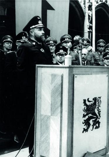 Discours de Staf de Clercq lors de la Marche de Tollenaere organisée à Bruxelles par le VNV, 12/07/1942. © Coll. CEGESOMA, Bruxelles, 14588