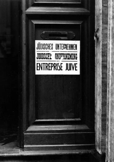 « Entreprise juive » – affiche trilingue © Droits réservés